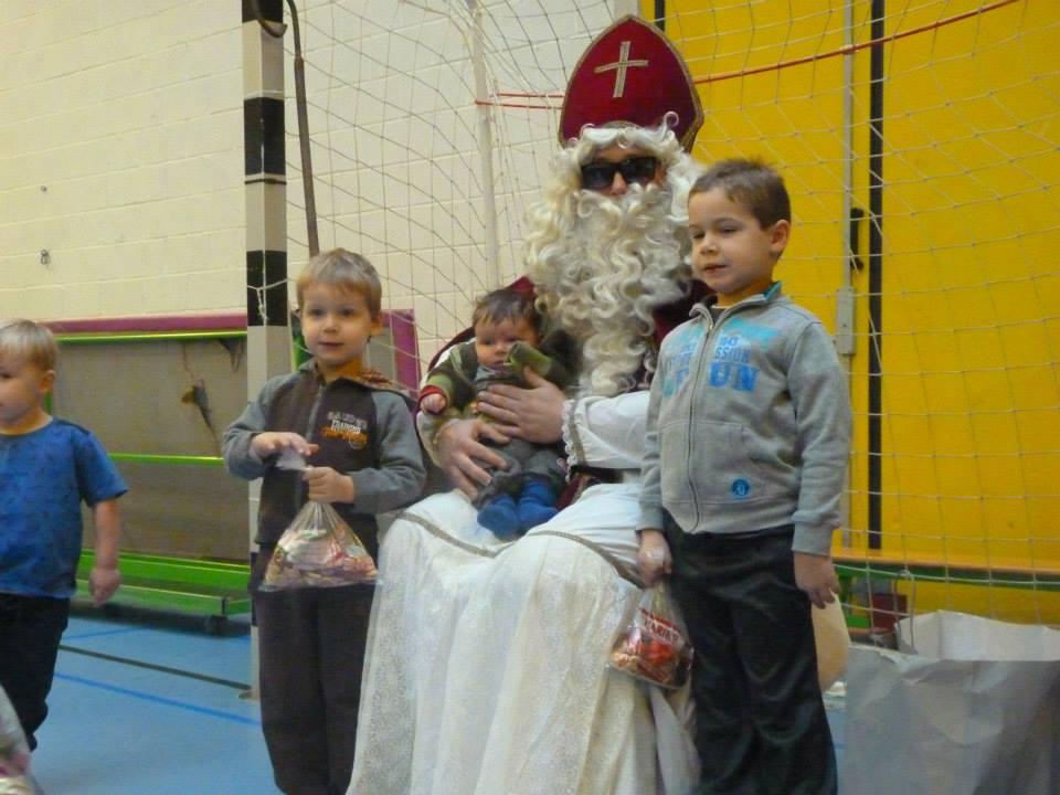 Le 06-12-2014, Saint Nicolas vient nous rendre visite