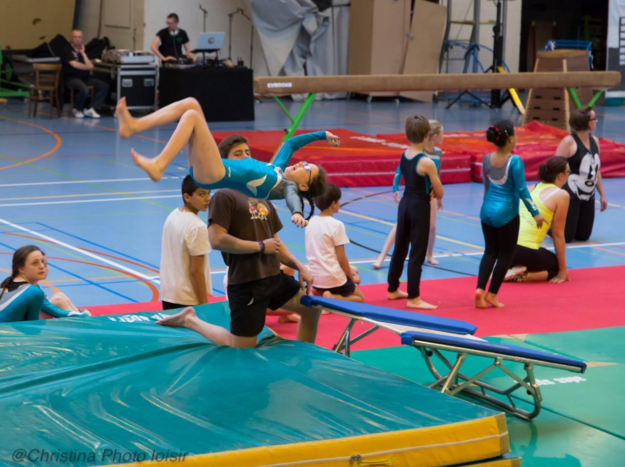 11 Saut (Gymnastes filles & garçons – Loisir & Compétition)
