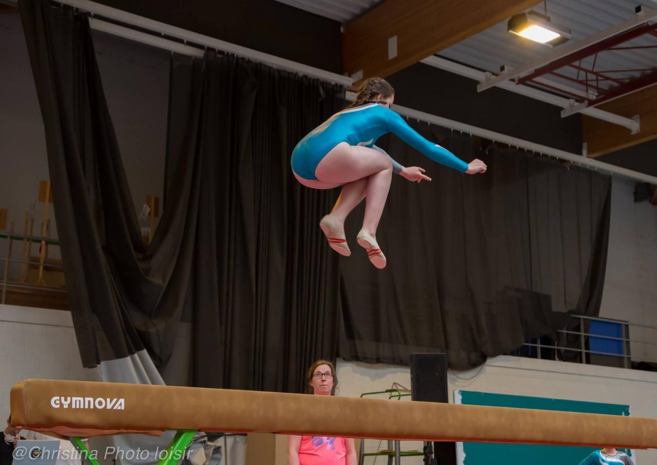 04 Passage  barres, poutres (Gymnastes compétition - groupe 1)