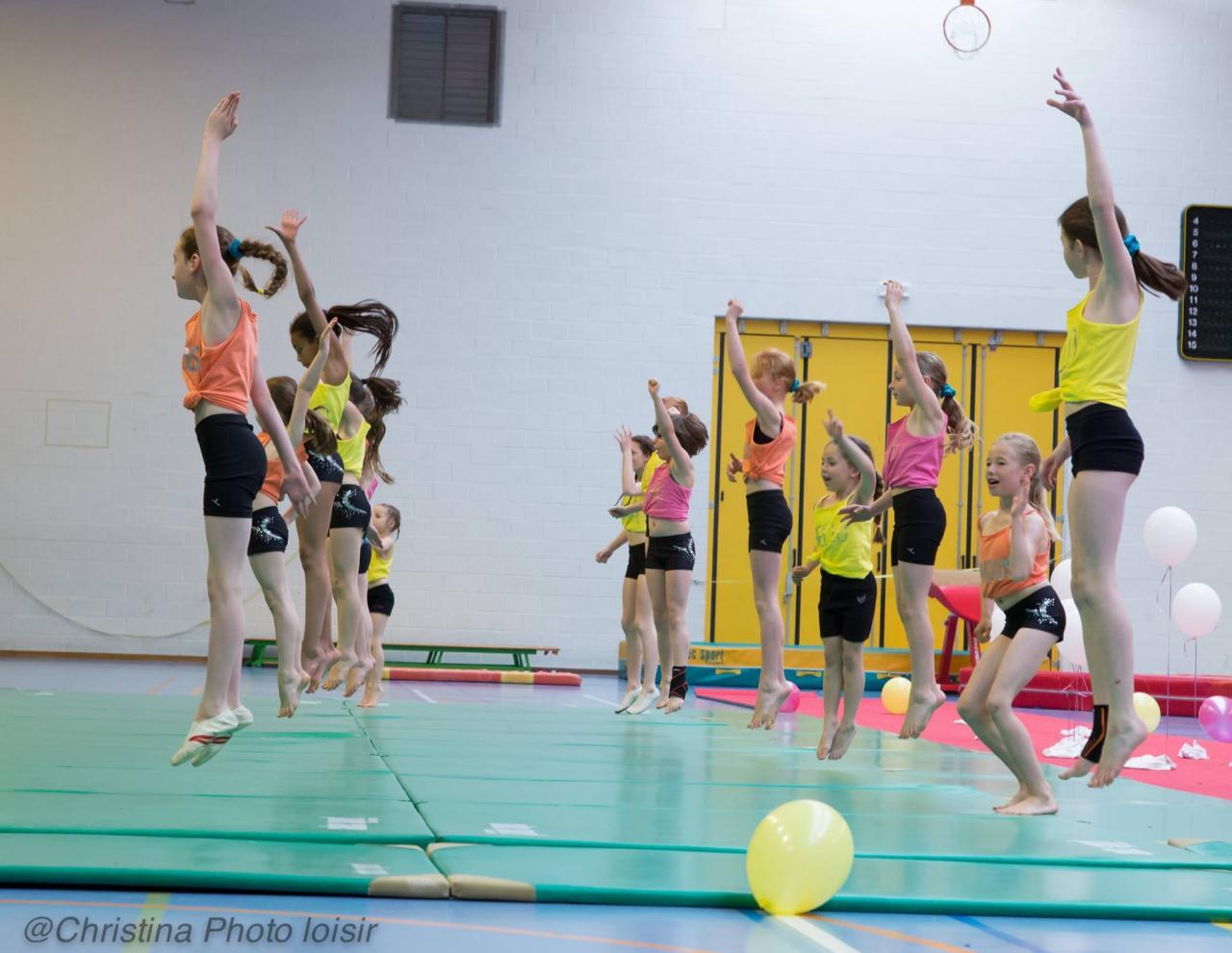 16 Passage Sol (Gymnastes compétition mouvement 1)
